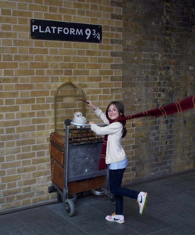 Eve on her way to Hogwarts via Platform 9¾, Kings Cross